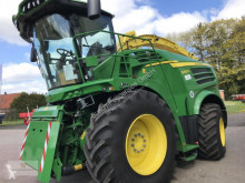 John Deere Self-propelled silage harvester 8300