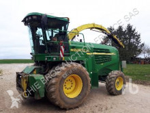 John Deere Self-propelled silage harvester 7400