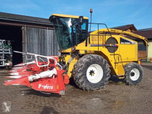 New Holland Self-propelled silage harvester FX 40 + Kemper Champion 360