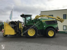 John Deere Self-propelled silage harvester 9700i