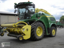 John Deere Self-propelled silage harvester 8200