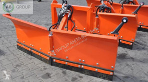 équipements PL nc Schneepflug V-Type 1.8 m Leicht/Snow plough V-type light /lame d neuf