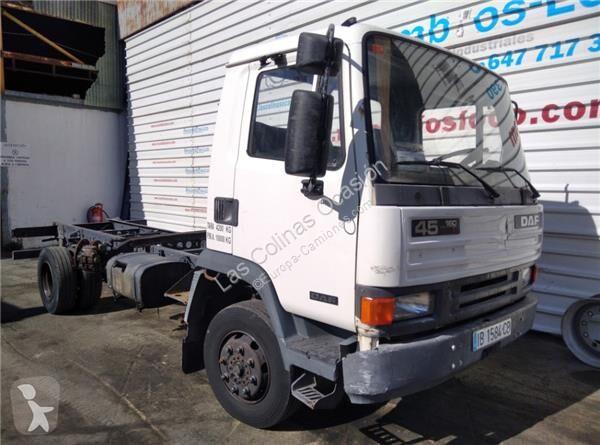 Voir les photos Équipements PL DAF Marchepied Peldaño Chasis pour camion Serie 45.160 E2 FG Dist.ent.ej. 4400 ZGG7.5 [5,9 Ltr. - 118 kW Diesel]