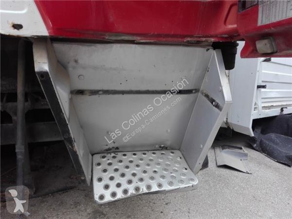Voir les photos Équipements PL MAN Marchepied pour camion  M 90 18.192 - 18.272 Chasis 18.272 198 KW [6,9 Ltr. - 198 kW Diesel]