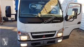 equipamientos Mitsubishi Marchepied Estribo Puerta Izquierda pour camion CANTER EURO 5/EEV (07.2009->) 5S13 [3,0 Ltr. - 96 kW Diesel]