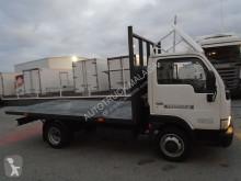 camión caja abierta estándar Nissan