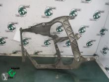 تجهيزات الآليات الثقيلة DAF 2107373 koplamp steun Rechts XF 106 هيكل العربة هيكل مستعمل