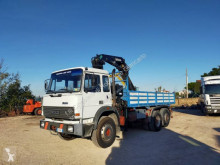 Grue auxiliaire Iveco