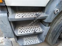 Equipamientos OM Marchepied Peldaño Chasis Izquierdo Mercedes-Benz Atego 2-Ejes 18 T /BM 950 pour camion MERCEDES-BENZ Atego 2-Ejes 18 T /BM 950/2/4 1823 (4X2) 906 LA [6,4 Ltr. - 170 kW Diesel ( 906 LA)] usado