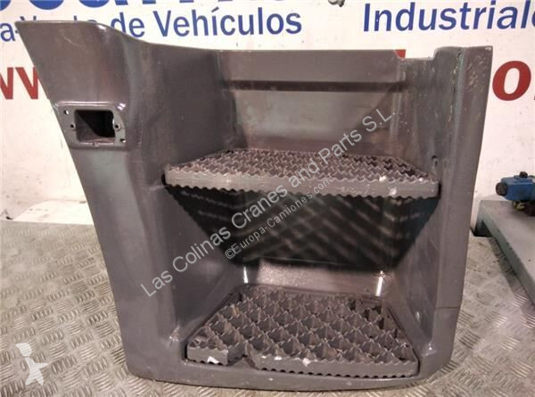 View images Iveco Marchepied Peldaño Chasis Izquierdo  EuroStar               (LD) Chasi pour camion  EuroStar (LD) Chasis (LD 190 E 38 4X2) [9,5 Ltr. - 276 kW Diesel] Truck equipments