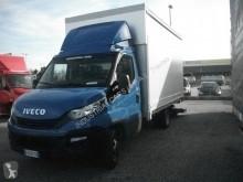 Equipamientos carrocería caja con lona Iveco