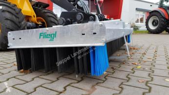 Equipamientos maquinaria OP barredora Fliegl Löwe 2500mm verzinkt