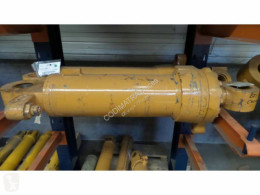 Case 821B used Lift cylinder