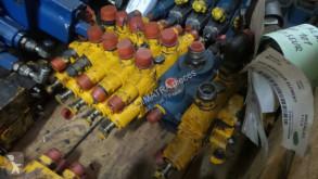distributeur hydraulique Mecalac