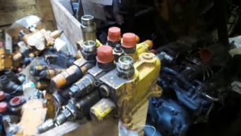 Distribuitor hidraulic Case WX150