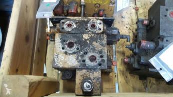 Distribuitor hidraulic Case 888B