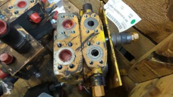 Distributeur hydraulique Case 788P
