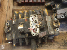 Distributeur hydraulique Liebherr R912LI