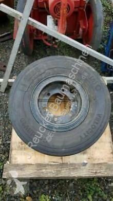 Recambios maquinaria OP Liebherr A 922 rueda / Neumático usado