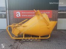 Vybavenie stavebného stroja Beton kubel 2000 liter príslušenstvo na výrobu betónu ojazdený