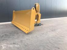 Vybavenie stavebného stroja radlica Caterpillar 160H
