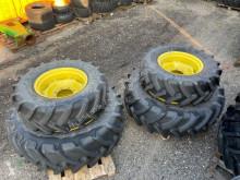 Pneus John Deere 2x 380/70R24 und 2x 480/70R34