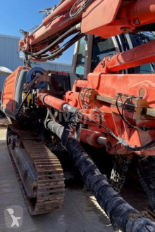 Trivellazione, battitura, tranciatura carrello perforatore Sandvik DI300