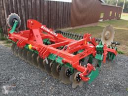 Aperos accionados para trabajo del suelo Grada rotatoria Agro-Masz BT 30 Vorführgerät