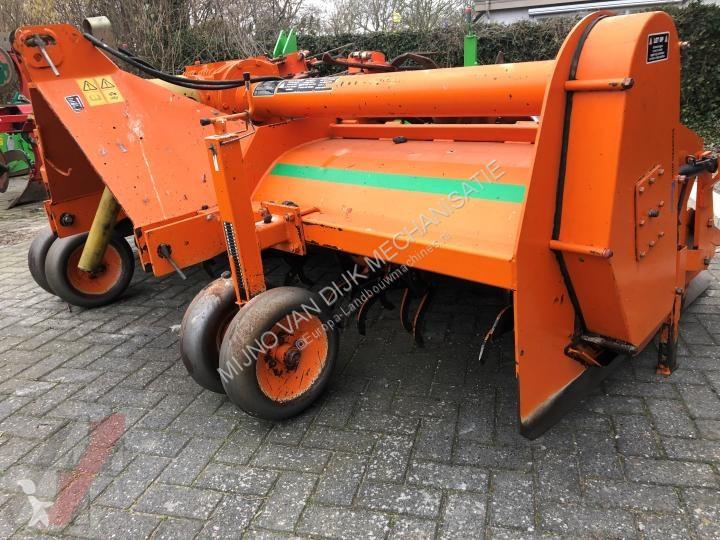 Преглед на снимките Почвообработващи машини с активни работни органи nc