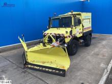 آلة لصيانة الطرق شاحنة ناثرة للملح-كاسحة ثلج Unimog 21D, Manual, Snow slider with salt spreader
