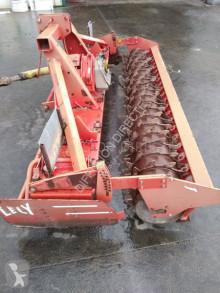 Преглед на снимките Почвообработващи машини с активни работни органи Lely herse rotative lelyterra 300-25+