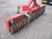 أدوات تربة غير متحركة ترصيص مستعمل Güttler PW 300 ES Prismenwalze