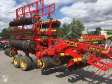 أدوات تربة غير متحركة محراث فتّاح Väderstad Carrier 820