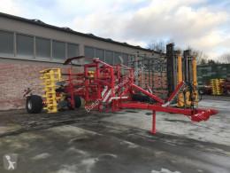 Aperos no accionados para trabajo del suelo Pöttinger Synkro 4030T NOVA Descompactador usado