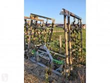 Grassland harrow etaupineuse