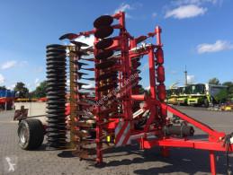 Aperos no accionados para trabajo del suelo Cover crop Pöttinger Terradisc 6001 T - Modelljahr 2016