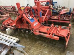 Преглед на снимките Почвообработващи машини с активни работни органи Kuhn rotorkopeg met hydr. Hefinrichting
