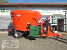 Distribution de fourrage Kuhn