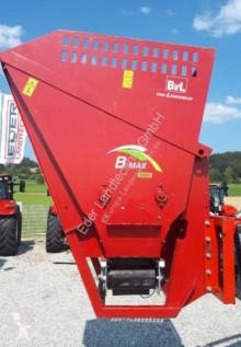 توزيع الأعلاف آلة جمع وتوزيع التبن B-Max 1000