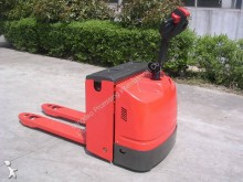 transpallet guida in accompagnamento Dragon Machinery