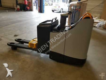 Crown stand-on pallet truck VIT30