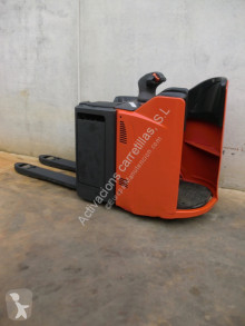 Linde stand-on pallet truck T 20 SP