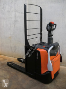 BT LPE 200 FRUTERA pallet truck used stand-on