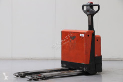 Pallet truck BT W18 tweedehands