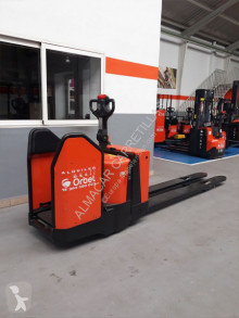 Pallet truck BT tweedehands