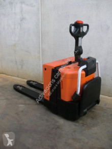 BT stand-on pallet truck LPE 200