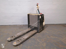 Pallet truck Crown WP 3080 tweedehands