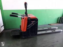 Pallet truck met staanplaats bestuurder BT LPE240