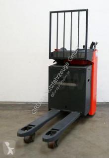 Транспалетна количка Linde T 20 S/1154 с платформа за седящ водач втора употреба