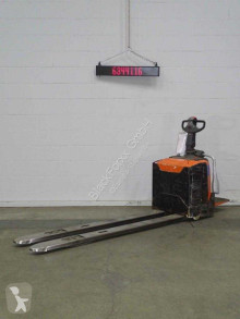 Toyota lpe200 pallet truck used